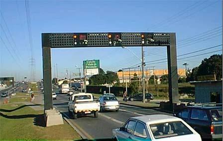 Объект светофорной сигнализации наодной изпериферийных улиц города