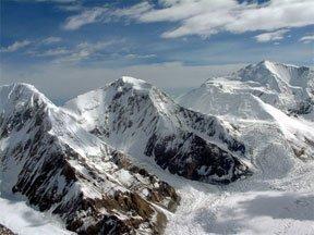Команда ТГУ, состоящая из студентов и выпускников, совершила восхождение в горах Тань-Шаня на вершину в 4 тысячи 321...