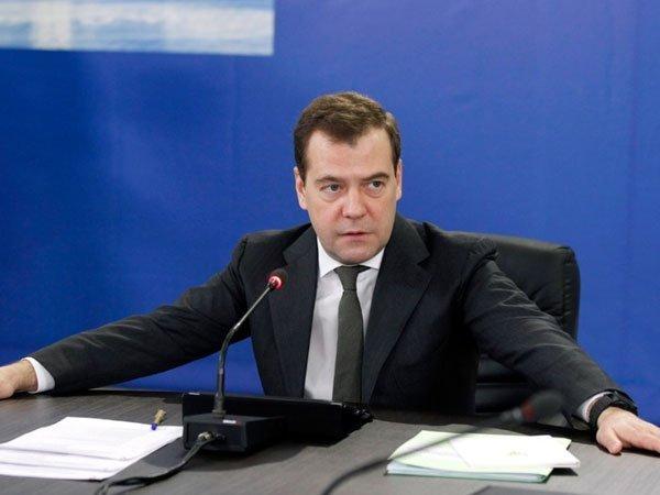 Медведев: РФ ничего недадут, будут только вставлять палки вколеса