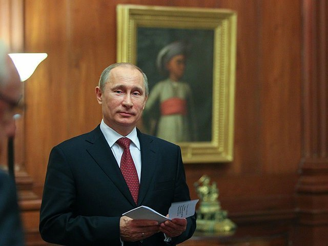 Путин подписал закон оперсональных данных