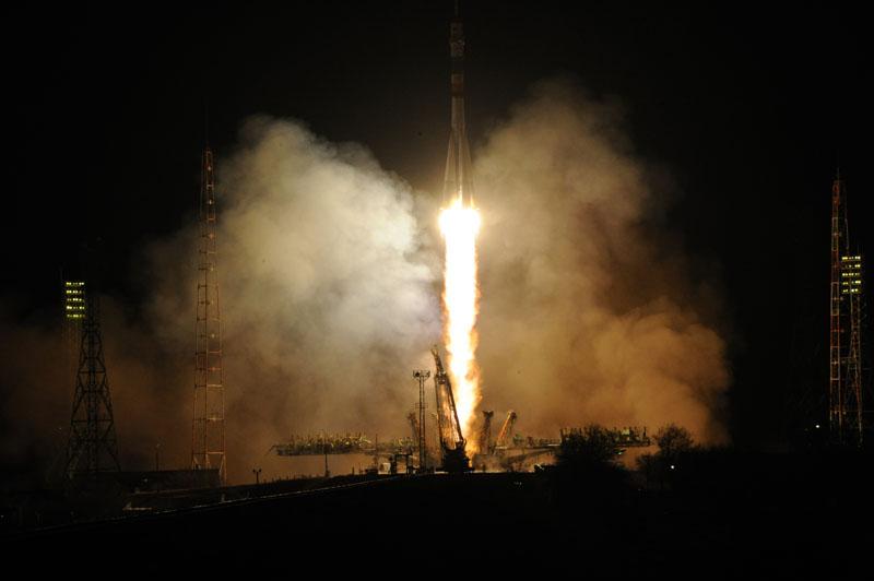 """Программой полёта пилотируемого корабля  """"Союз ТМА-08М """" предусмотрены сближение и стыковка корабля с МКС через 4 витка..."""