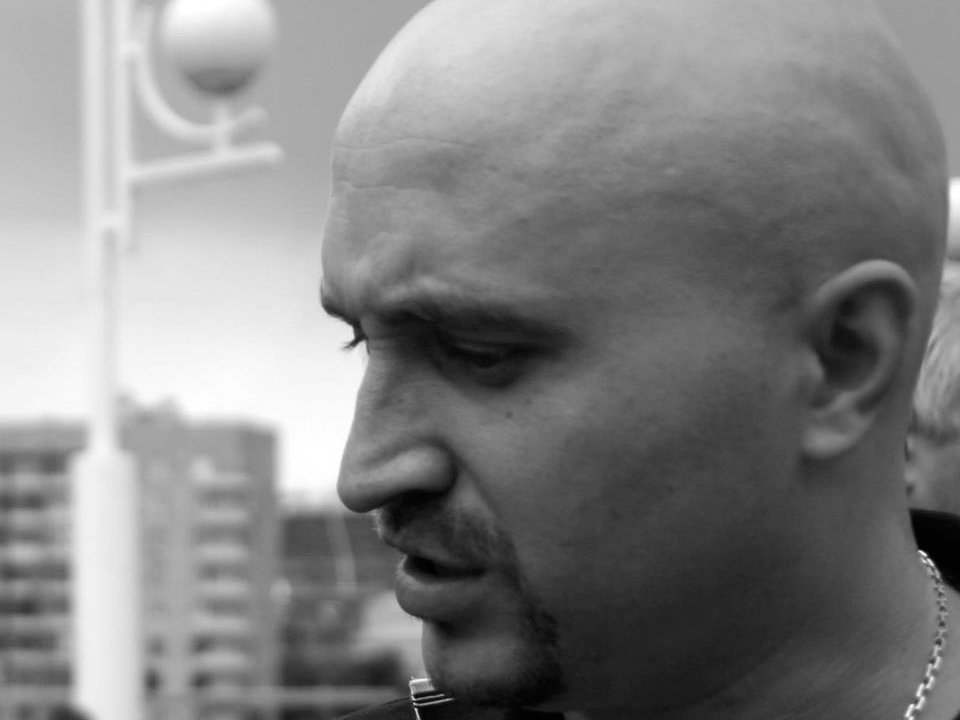 Активист Вадим Коровин поведал осломанной сотрудниками Нацгвардии руке