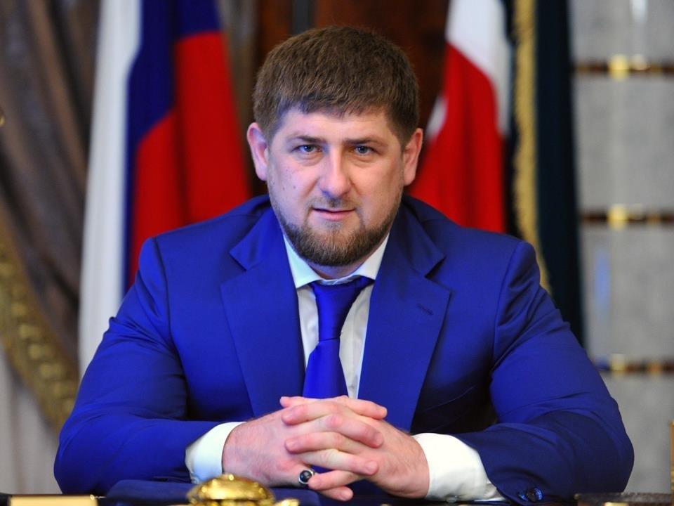 Руководитель Чечни обнародовал фото Баскова, измазанного тортом
