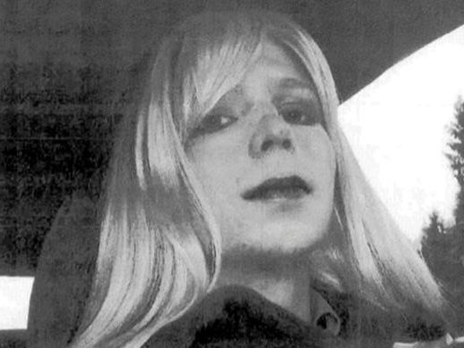 Информатору WikiLeaks Челси Мэннинг разрешили сделать операцию посмене пола