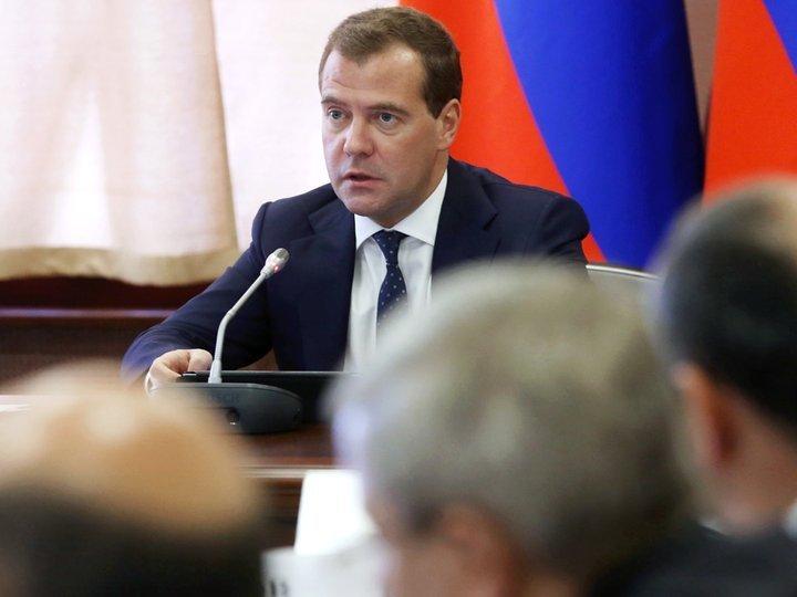 Медведев возмутился «необыкновенной легкостью» изменения законов