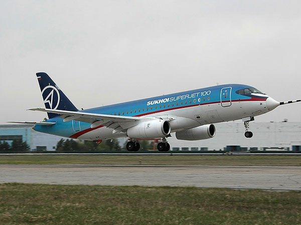 Мантуров поведал отехнических проблемах улетающих над Мексикой SSJ-100