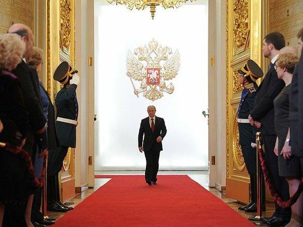 Две трети граждан РФ хотят оставить Владимира Путина начетвертый срок— Опрос