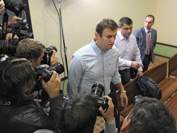 Навальный иФБК будут судиться сНТВ