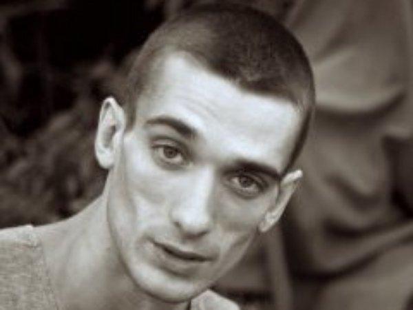 Павленский передаст премию имени Вацлава Гавела «приморским партизанам»