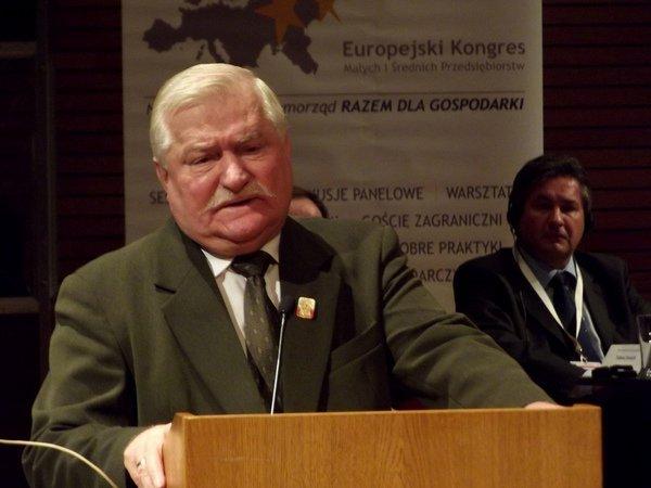 Лех Валенса выдвинул Сенцова на Нобелевскую премию мира