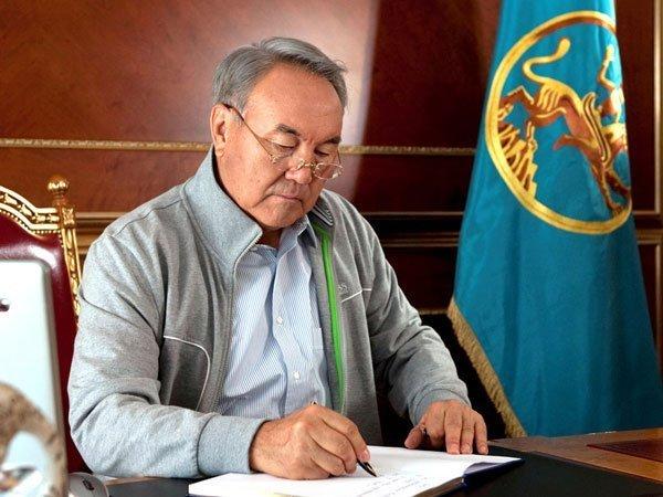 ВКазахстане появились признаки «цветных революций»— Назарбаев