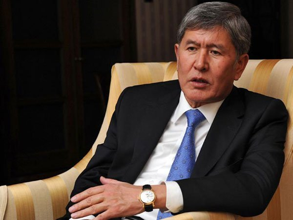 Атамбаев подписал указ оботставке руководства