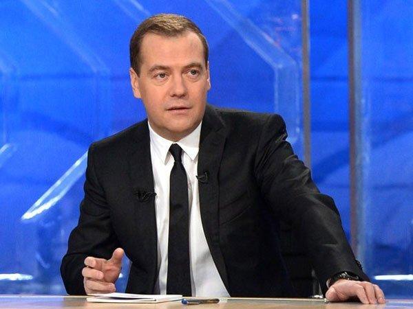 Медведев: министр финансов показывает «страшное» кино, аМЭР— «оптимистическое»