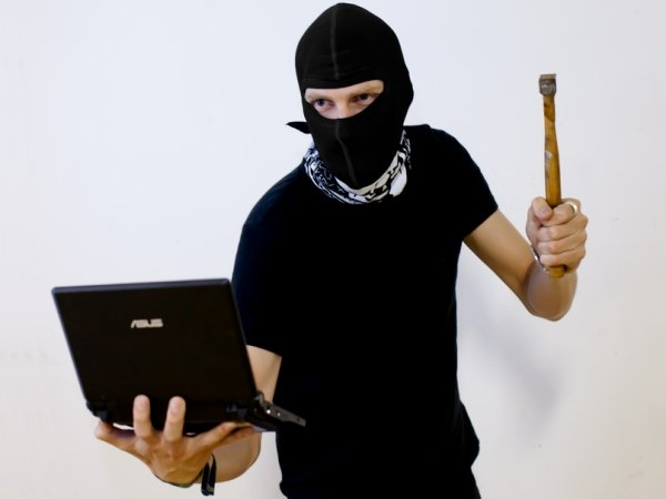 Роскомнадзор открыл вакансию хакера сопытом работы