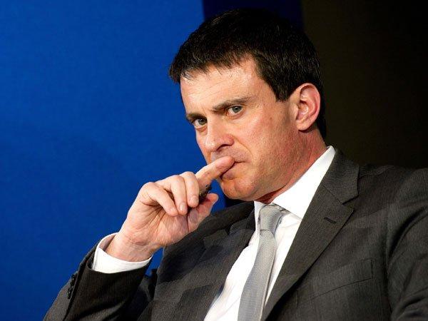 Прежнего премьера Франции Мануэля Вальса обсыпали мукой
