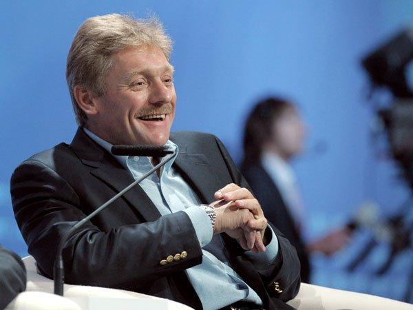 Песков напомнил компании фейсбук о русских законах