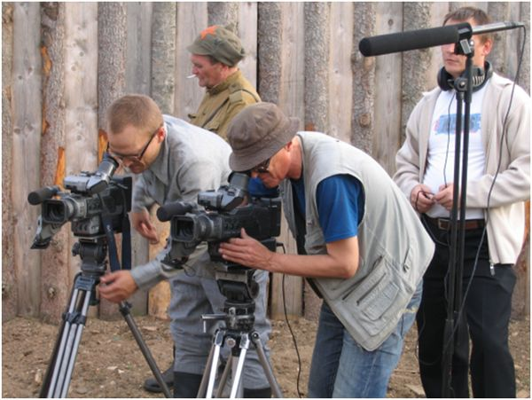Операторы Семен Соснин и Сергей Проскуряков на съемках фильма «Эпитафия к жизни» (реж. В. Наймушин),  2007 г.