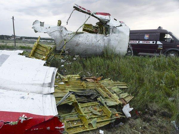 Родственники погибших членов экипажа рейса МН17 подали иск кMalaysia Airlines