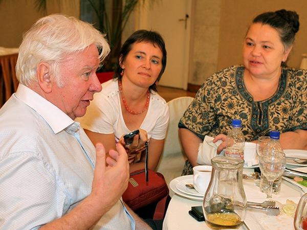 Владимир Захаров, Наталия Демина и Елена Ляпустина