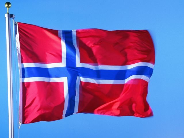У берегов Норвегии начал тонуть круизный лайнер
