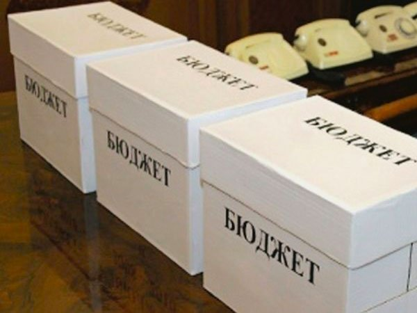 Медведев: бюджет формировался сучетом продления санкций до 2019г.
