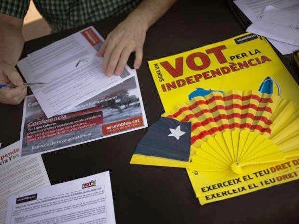 Испания требует отКаталонии пояснить  подписание декларации онезависимости