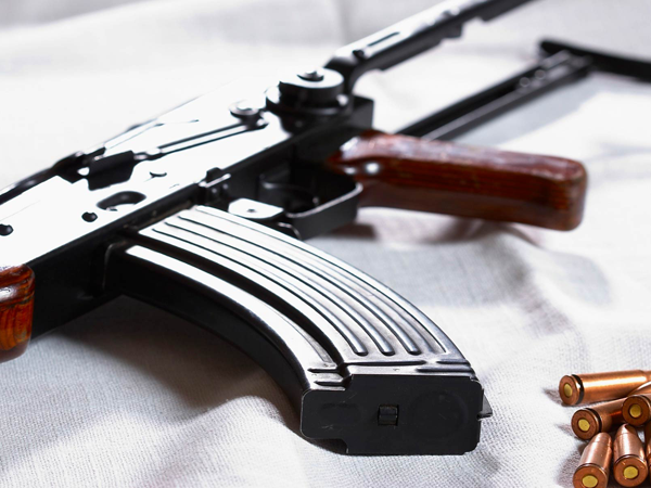 ВРоттердаме задержали игиловца савтоматом Калашникова ивзрывчаткой