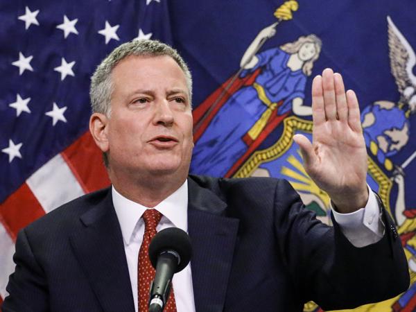 Мэр Нью-Йорка просит уОбамы наохрану Трампа 35 млн. долларов