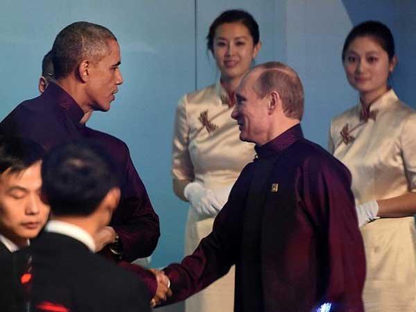Б.Обама и В.Путин договорились продолжить переговоры осоглашении поСирии