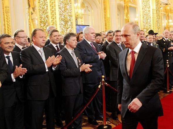 Владимир Путин объявил, что его преемник должен быть «более молодым»