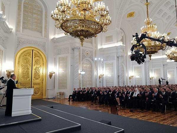 Песков опроверг дату послания Путина Федеральному Собранию