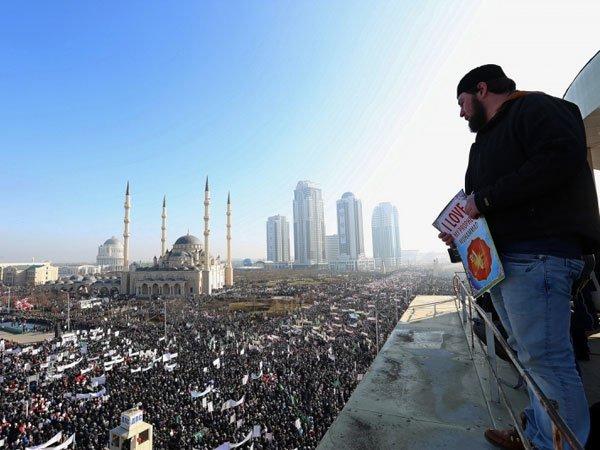 Граждане Чечни сообщили опринуждении кучастию вмитинге вподдержку Крыма