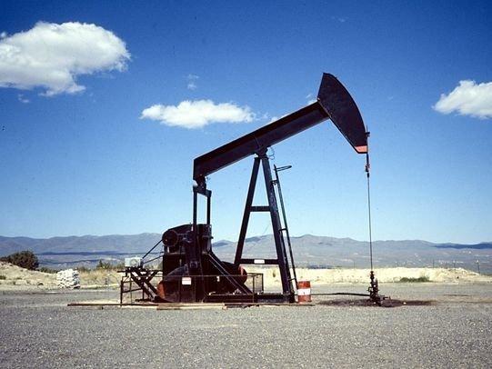 Цена нефти Brent взлетела донебес после соглашения РФ иСаудовской Аравии