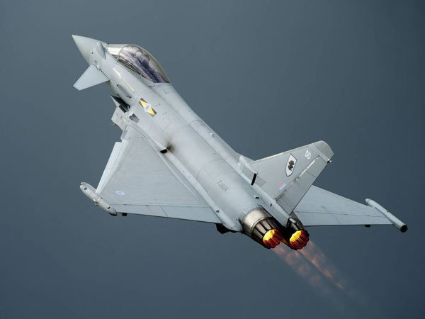 ВВС Британии сопроводили российские самолеты