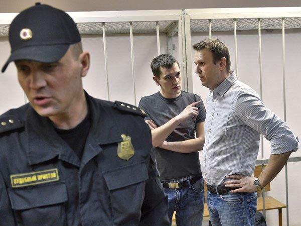 Иск Навального против Владимира Путина отвергнул суд