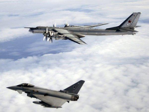 Английские истребители поднимались наперехват бомбардировщиковРФ