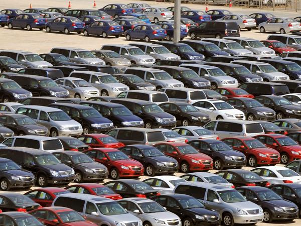 Руководство продлило программу льготного автомобильного кредитования в Российской Федерации