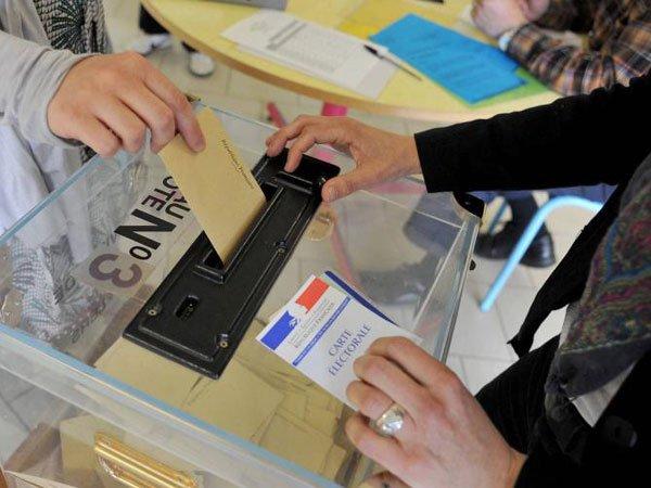 Напарламентских выборах воФранции прослеживается рекордно невысокая явка