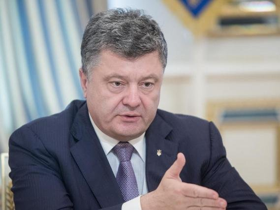 Защитники Януковича: суд и генпрокуратура помогали Порошенко уклоняться отнеудобных вопросов