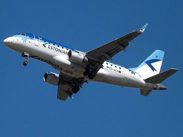 Самолет Estonian Air