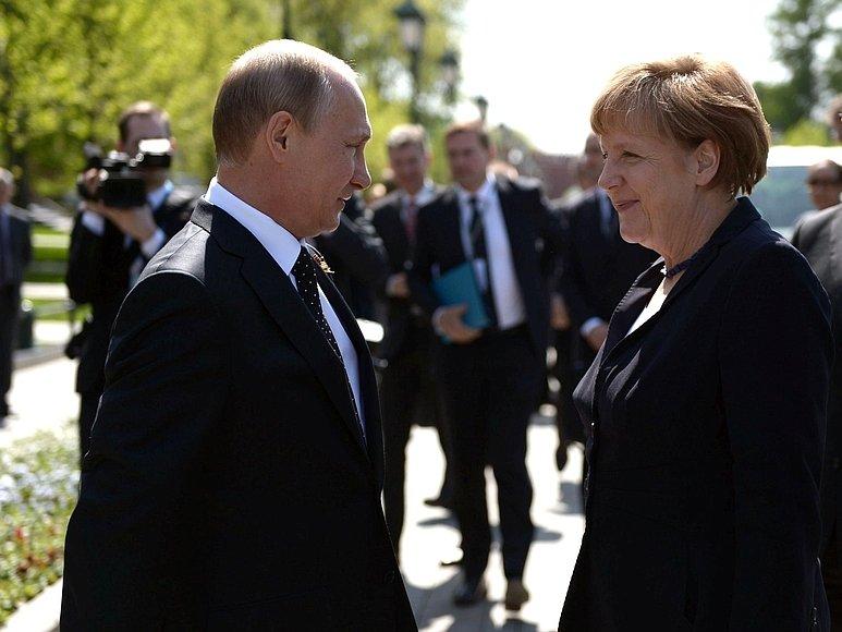 Эскалация наДонбассе: Меркель призывает В. Путина воздействовать набоевиков