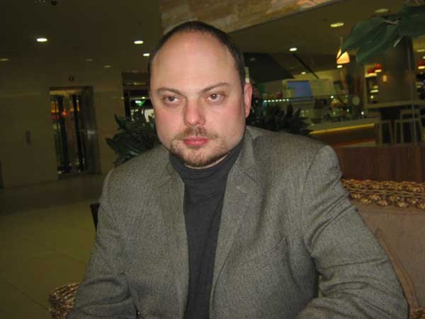 Отец Кара-Мурзы-младшего объявил обулучшении вего состоянии
