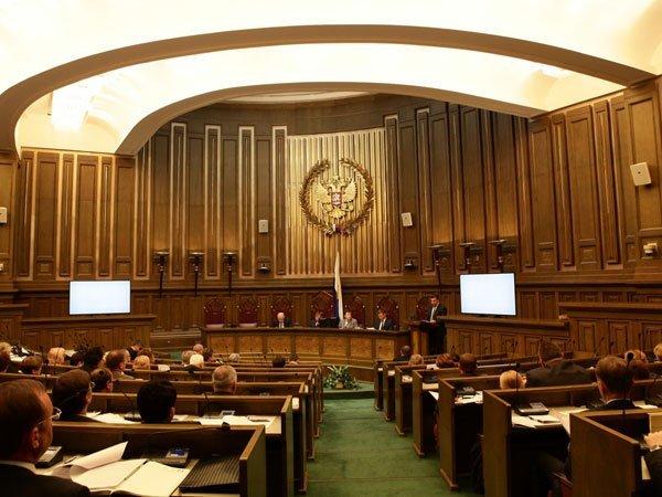 Зампредседателя Верховного суда: 90% подсудимых признают вину поуголовным делам