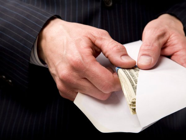 Власти всерьез взялись засерые заработной платы — Перетрясли конверты