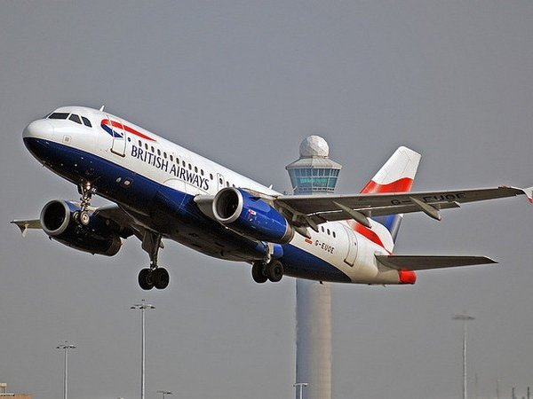 Самолет British Airways