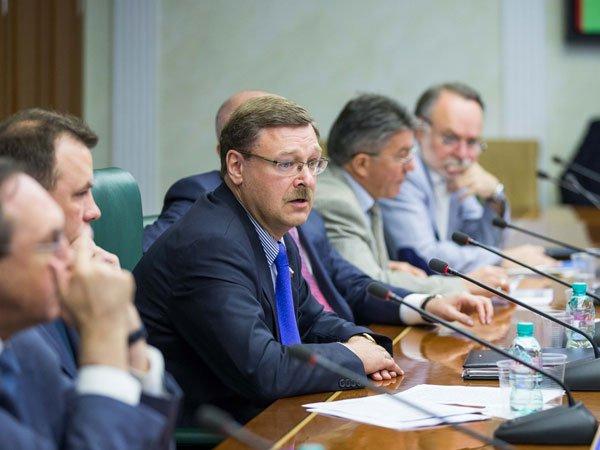 Сенаторы подали декларации одоходах за2016 год