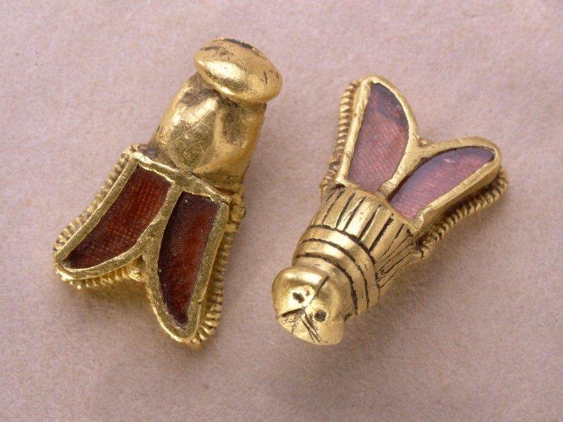 Золотые пчелы короля Хильдерика
