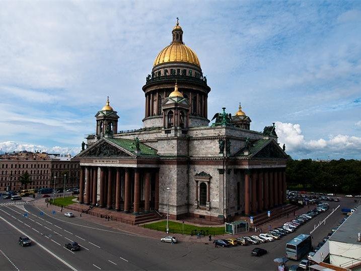 Мединский: Исаакиевский храм должен стать еще неменее доступным после передачи РПЦ