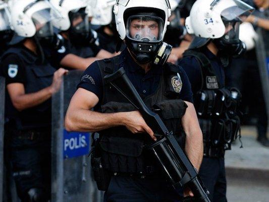 ВТурции задержали экс-директора владеющего газетой Hurriyet холдинга