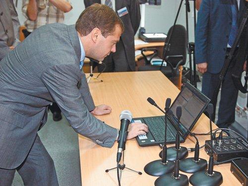 Юрист Аникеева: «Шалтай-Болтай» неимеет отношения ковзлому почты Медведева